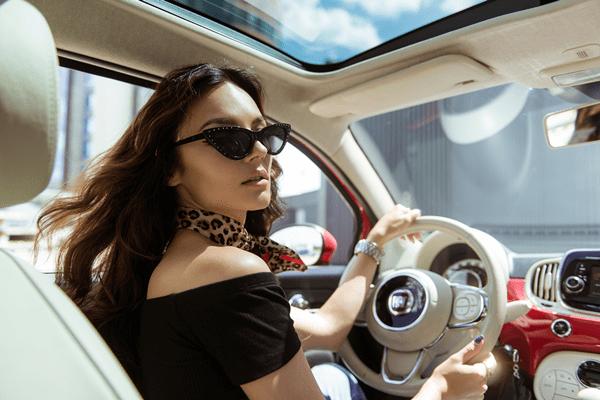 """S. Burbaitė į gatves išriedėjo su Fiat 500: tai tikriausias """"Instagram"""" automobilis"""