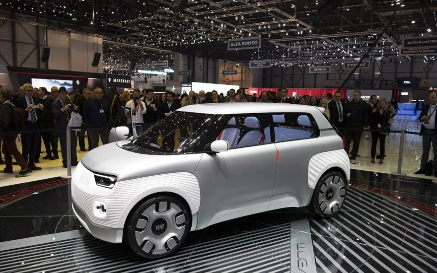 """Elektrinės naujienos iš FCA stovyklos: naujas """"Alfa Romeo Tonale"""", """"Fiat"""" elektromobilio koncepcija, """"Jeep"""" hibridai"""